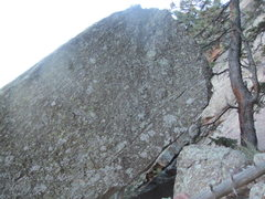 Rock Climbing Photo: The descent route, on the North end. Roach calls i...