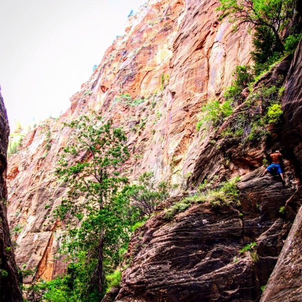 35 foot boulder climb in the narrows