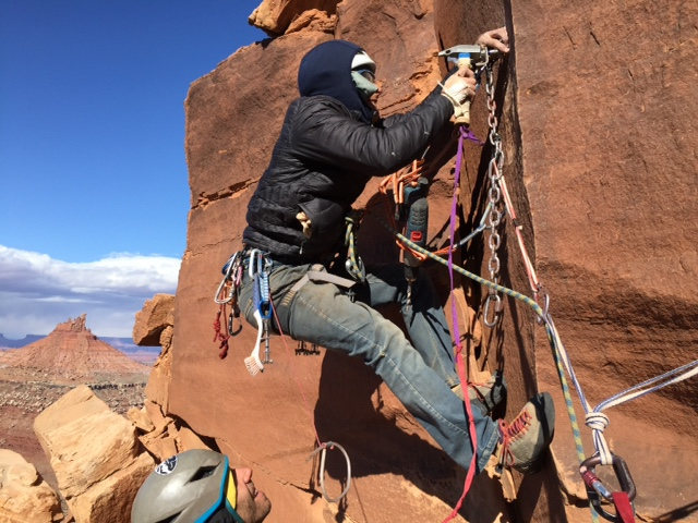 Rock Climbing Photo: Fixing up the first bolted anchor (second rap stat...