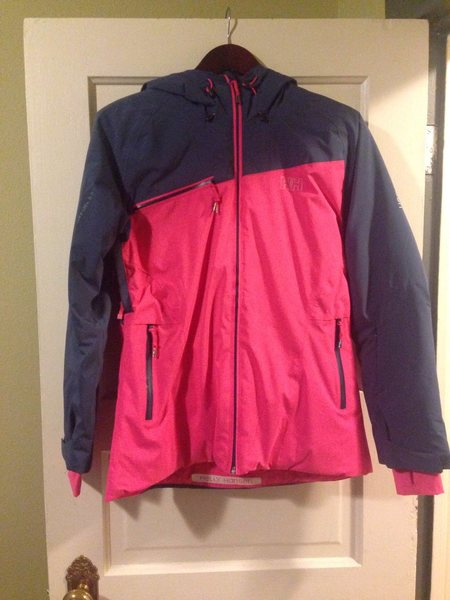 Women's Helly Hansen Stella Strom Ski Jacket Size Small. 2-layer synthetic insulation. Like new, worn once. $100