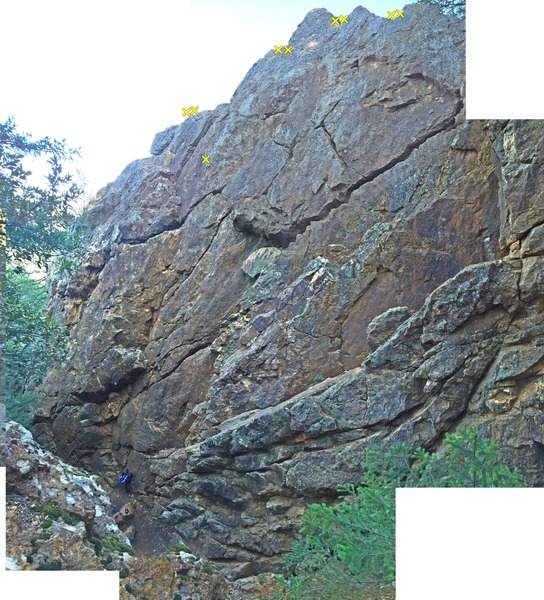 Rock Climbing Photo: Overview from trail that passes crag