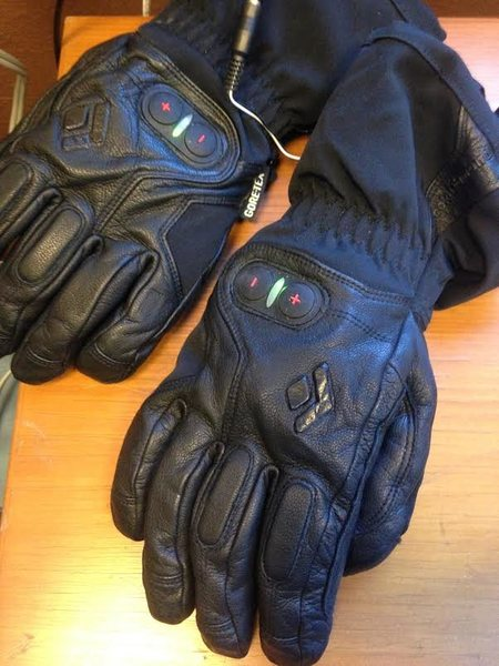 Black Diamond Cayenne gloves- Size Mens Small- 150.00