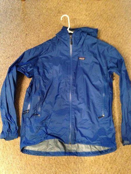 Rock Climbing Photo: patagonia rain jacket, Size Large- 40.00