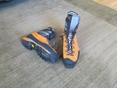 Rock Climbing Photo: Scarpa Mont Blanc PRO size 45 used 2 mornings ice ...