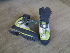 Rock Climbing Photo: Lowa Verticals Size 44.5 super warm amazing Ice/mi...