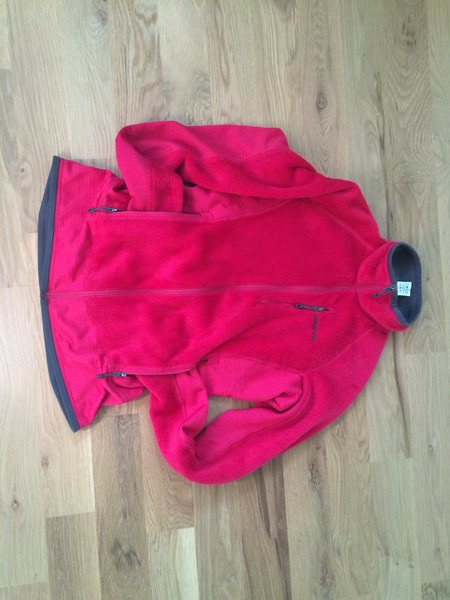 R2 Fleece is great condition.