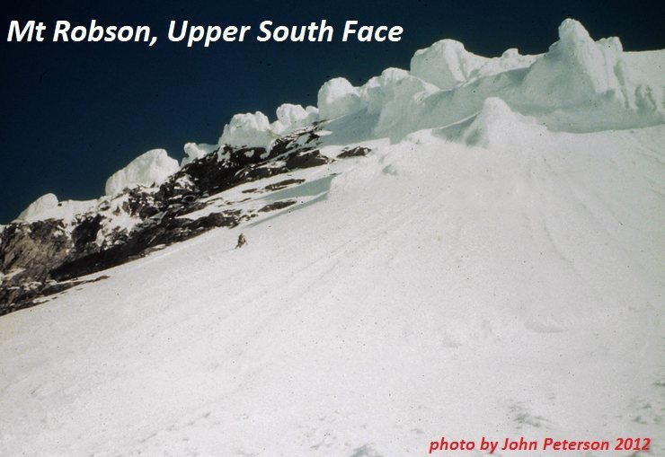 Rock Climbing Photo: Descending steep snow above the Schwartz Ledges af...