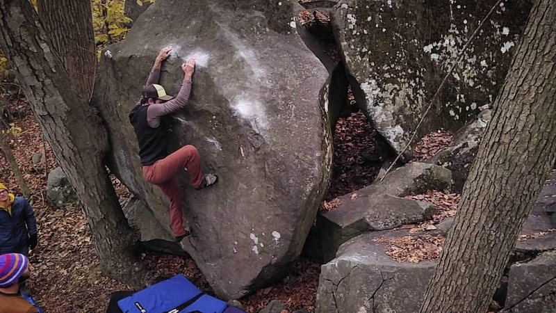 "Rock Climbing Photo: Sinking down on the slopers on ""Help Meat.&qu..."
