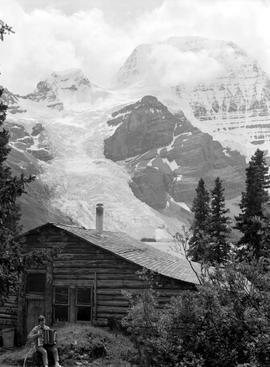 Rock Climbing Photo: The good old days at the Berg Lake Chalet- before ...