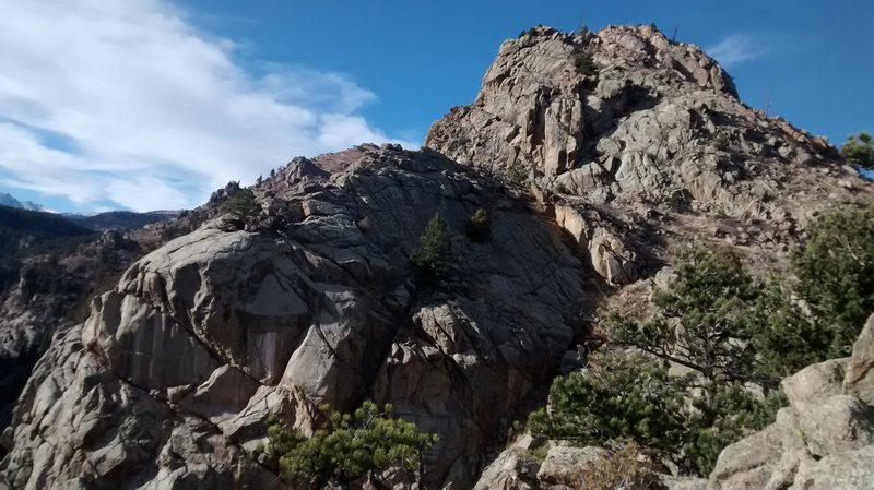 Rock Climbing Photo: The summits of Bitty and Blob, from the summit of ...