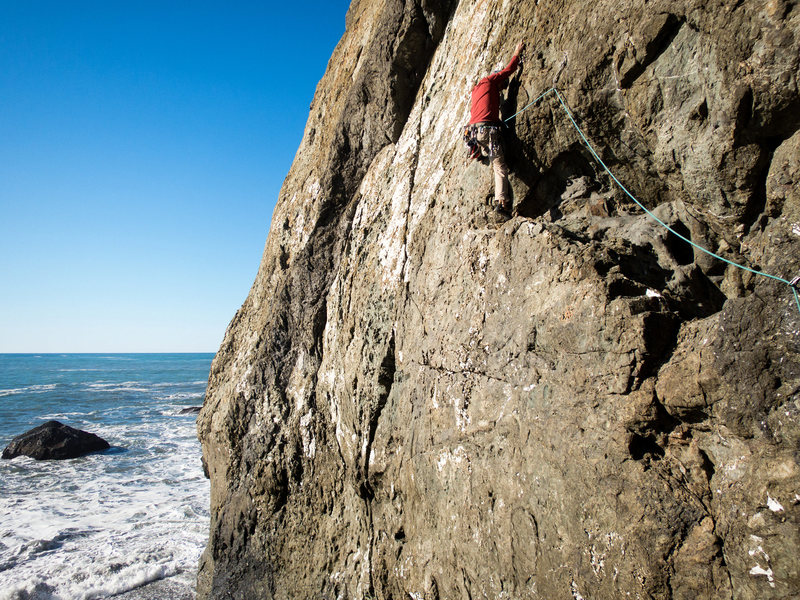 Rock Climbing Photo: Captain Weirdbeard exits the left side of the big ...