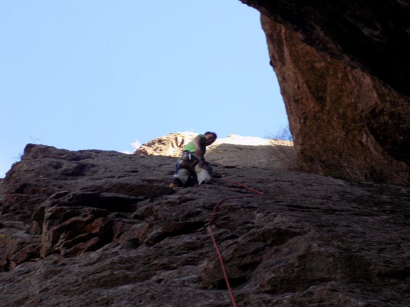 Me finishing up the first pitch of Crack Parallel