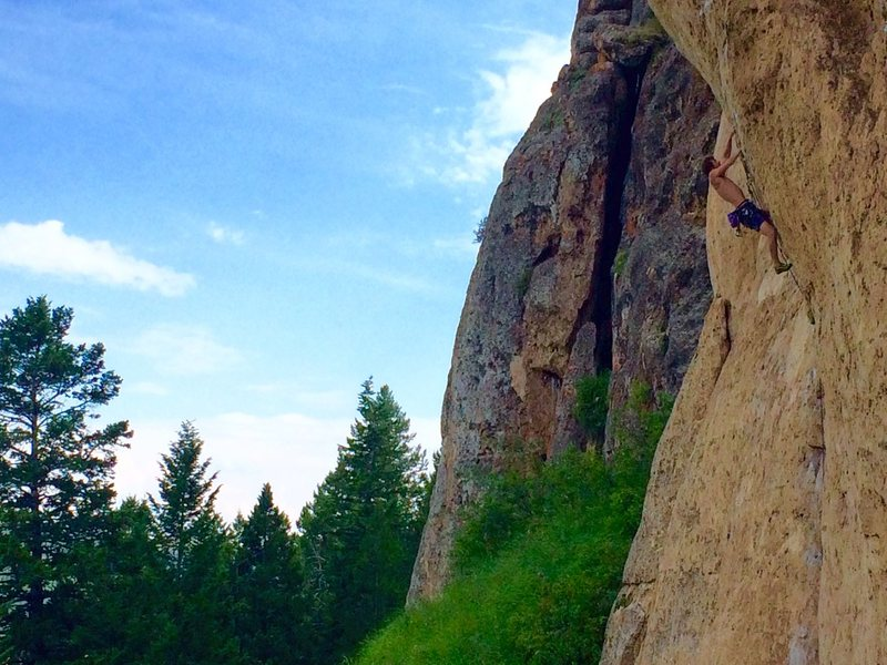 Zack Nadiak blasting through the perfect limestone pockets!