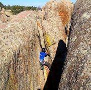 Rock Climbing Photo: Nearing the top of the twin cracks.