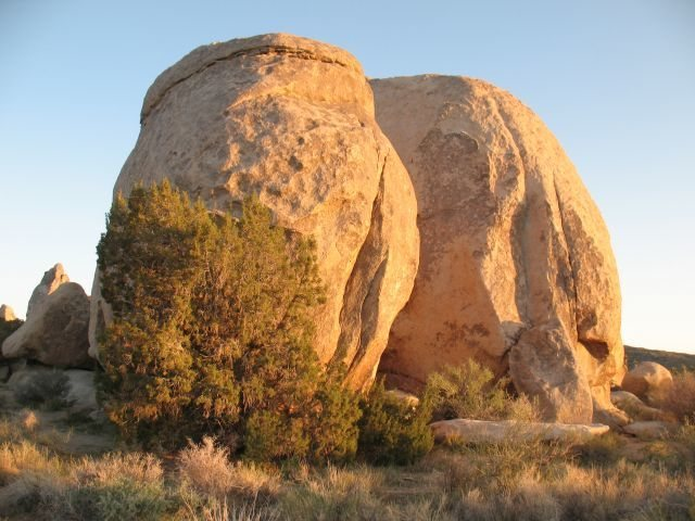 Rock Climbing Photo: The Rabbit Warren from the northwest, Joshua Tree ...