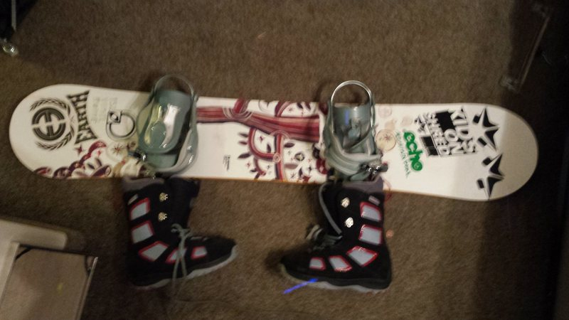 Rome Vinyl 152 with Ride Lexa Bindings and Burton boots size 8 <br> <br> The Vinyl is a  direction twin with a cambered all wood core. The VXN bindings are built with aluminum heel-cups and plates. the boots are women's size 10 Burton free-ride's all are circa 2007 <br> <br> $100 for all of it