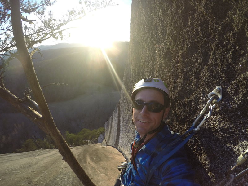 Rock Climbing Photo: Taking a rest at this rotten tree. Creeking noises...