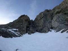 Rock Climbing Photo: Looking up from the snowfield in the middle of pit...
