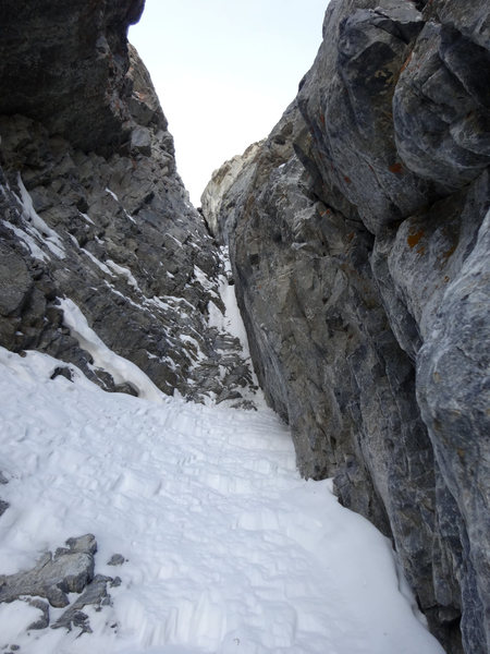 Rock Climbing Photo: Looking up into the chimneys from the top of pitch...