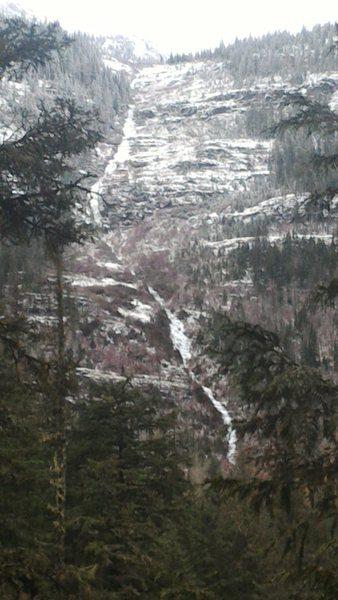 Rock Climbing Photo: Ice Gully, north of Mcdonald Creek