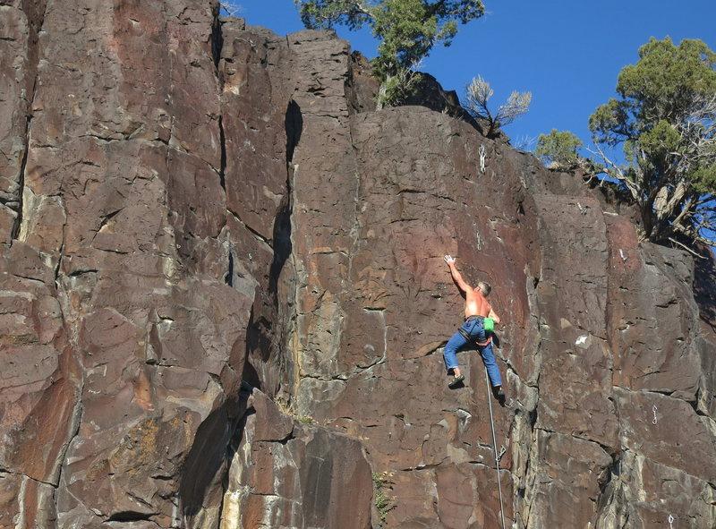 Rock Climbing Photo: Nick Vitali leading through the sustained, thin fi...