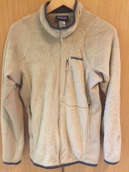 <br> - Patagonia R3 Mid-weight Fleece, El Cap Khaki - Medium ($150)<br>