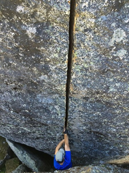 Rock Climbing Photo: David Russell on a beautiful highball splitter in ...