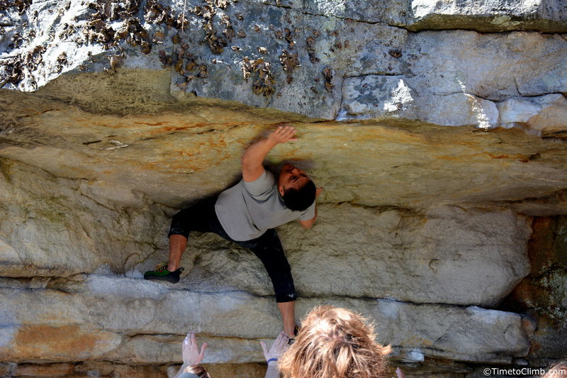 Rock Climbing Photo: Kevin Dumapit reaching for the lip on Andrew's Roo...