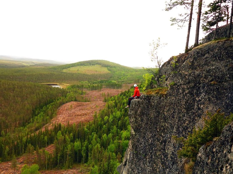 Climbing in Blåberget, Umeå in Sweden.<br> Just finished this Amazing arete with natural protection.