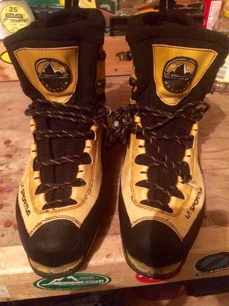 $150<br> <br> Size 43.5