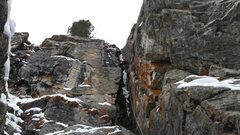 Rock Climbing Photo: Mike Walley on Hessie Chimney.  Colorado.  Decembe...