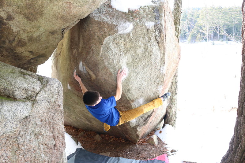 Rock Climbing Photo: Working through the brutal slopers on Chunk o Blit...