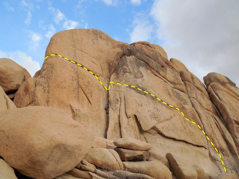 Rock Climbing Photo: Climber seen in Dogleg just below the belay area o...
