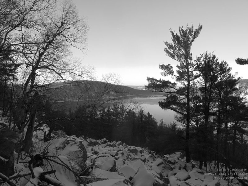 Rock Climbing Photo: View north, between the Reserve and the South Bluf...