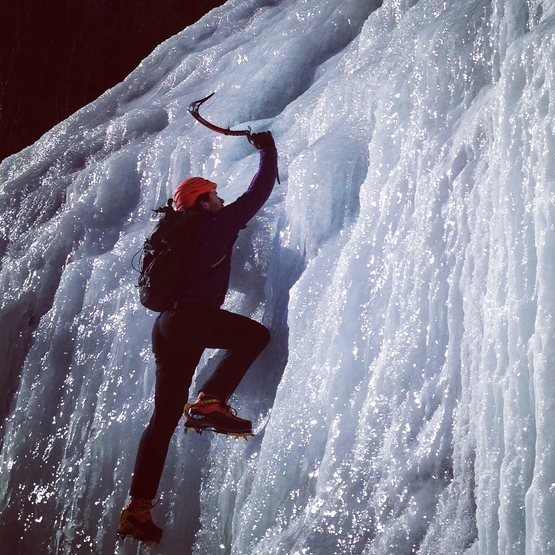 Rock Climbing Photo: Soloing up BOL Man in really good conditions. Firs...