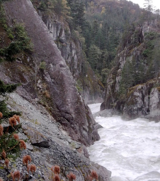 Rock Climbing Photo: Looking at p1 in high water.  Best not slip into t...