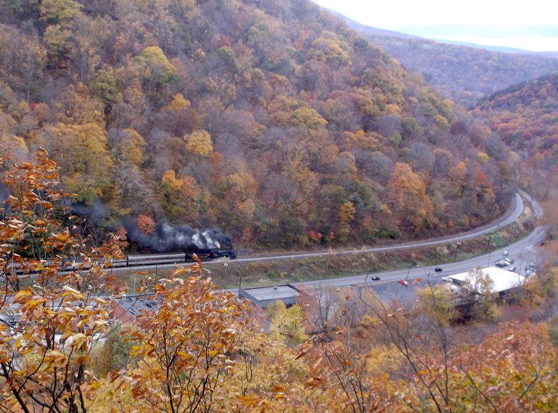Rock Climbing Photo: Here comes the train!