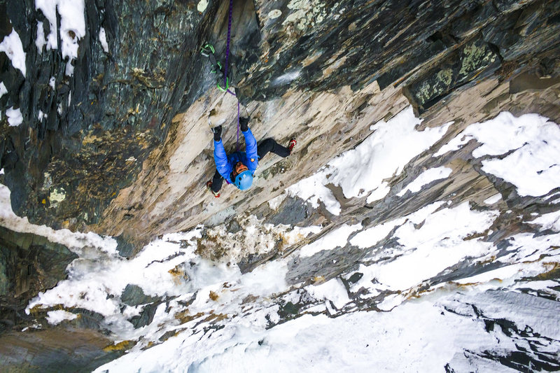 Rock Climbing Photo: Marc R. on the FA of P2 of Ephemeral Cortex.