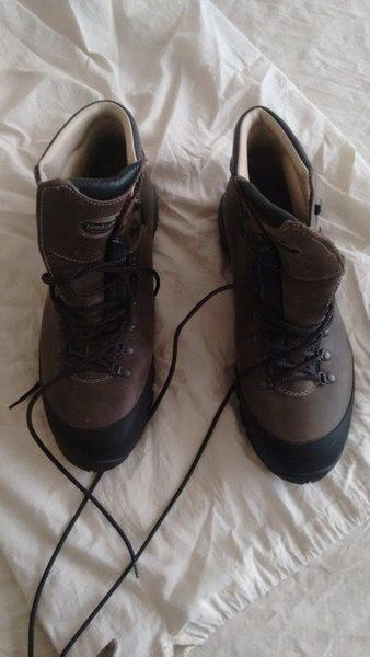 Zamberlan trekker boots pix 1