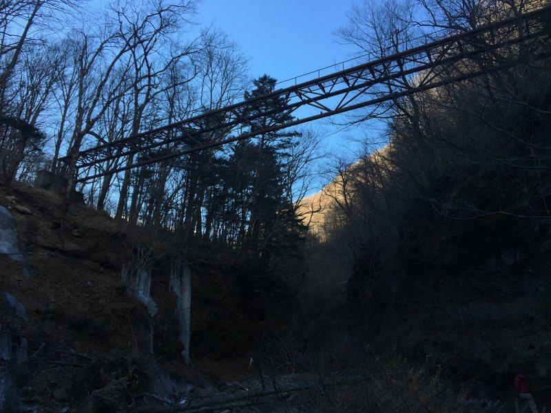 Rock Climbing Photo: Foot bridge to the left of parking.