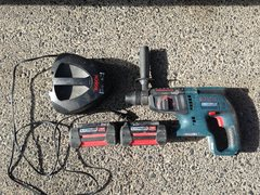 Bosch 36volt cordless drill with extra battery and charger