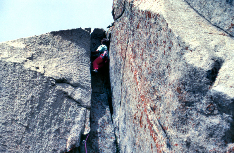 "Leading the FA of the ""Side Effects""(5.10b chimney) in 1990"