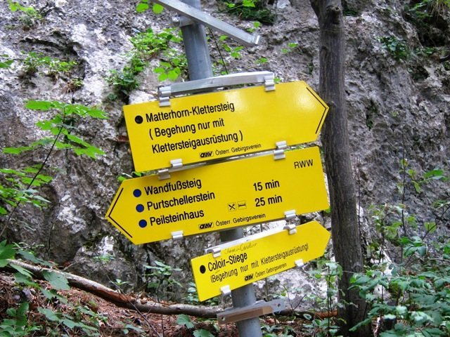 Well signed trails at Peilstein