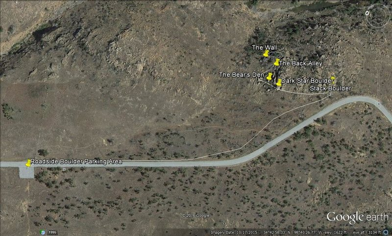 This topo shows the parking area for the Roadside Booulders and the trail which leads to the main area.