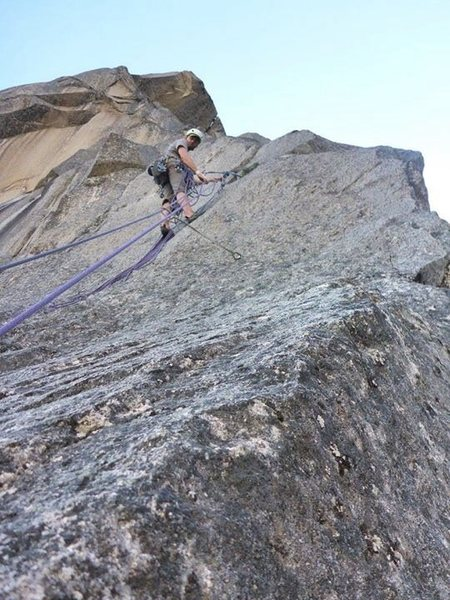 Rock Climbing Photo: At the P4 belay. One bolt plus a 0.75 cam and gree...