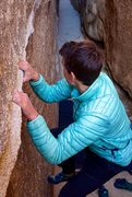 Rock Climbing Photo: Traverse in the Hall of Horrors at Joshua Tree