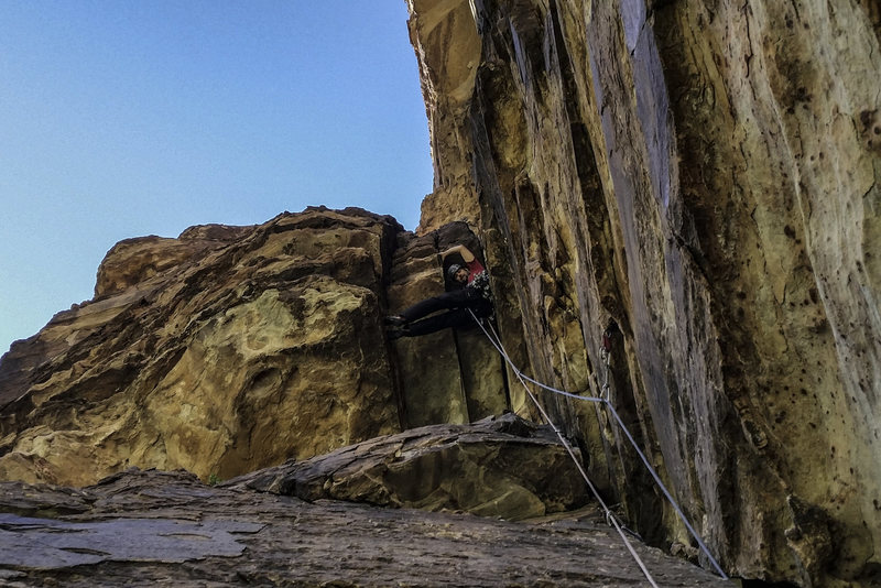 Rock Climbing Photo: Crux moves under the roof of Cold September Corner...