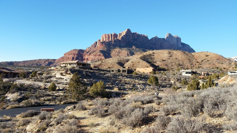 Start hike from Chinle TH in the Anasazi subdivision
