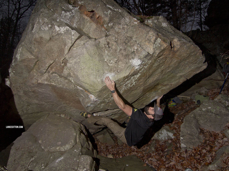 "FA ""Golden Eye"" **** v9 @ James Bond Boulder -  Paddy Creek Wilderness"
