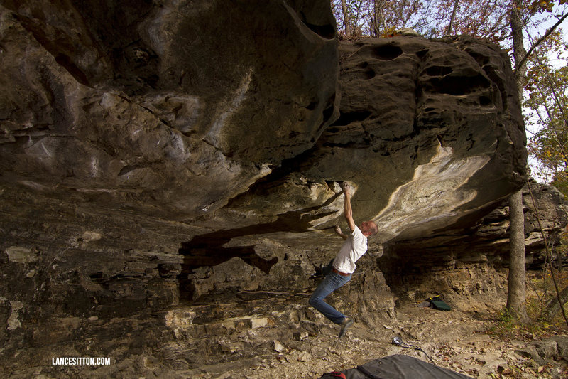 """Everett Pauls on my FA """"Walking on Thin Ice"""" ** v7 @ Peters Branch. The problem still hasn't been repeated."""